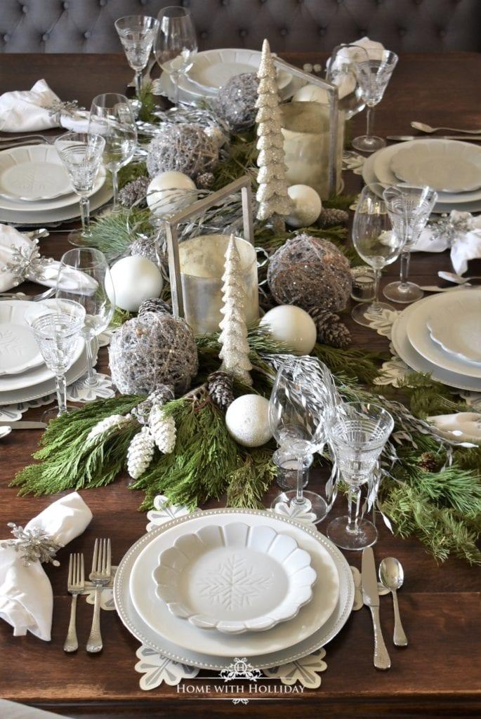 Christmas Table Settings.Holiday Hosting At Home 6 Christmas Tables Decor Recipes