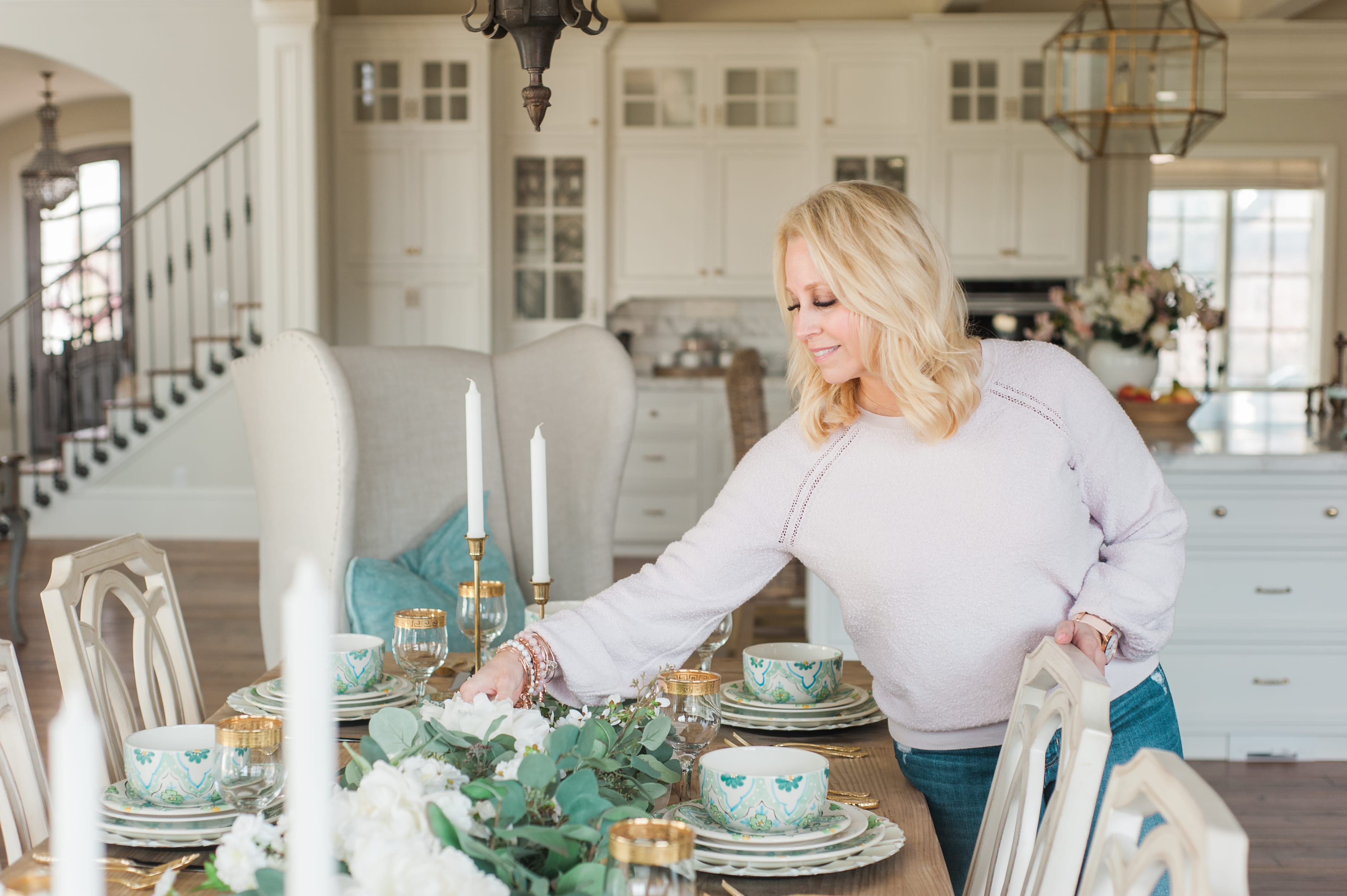 setting an easter tablescape
