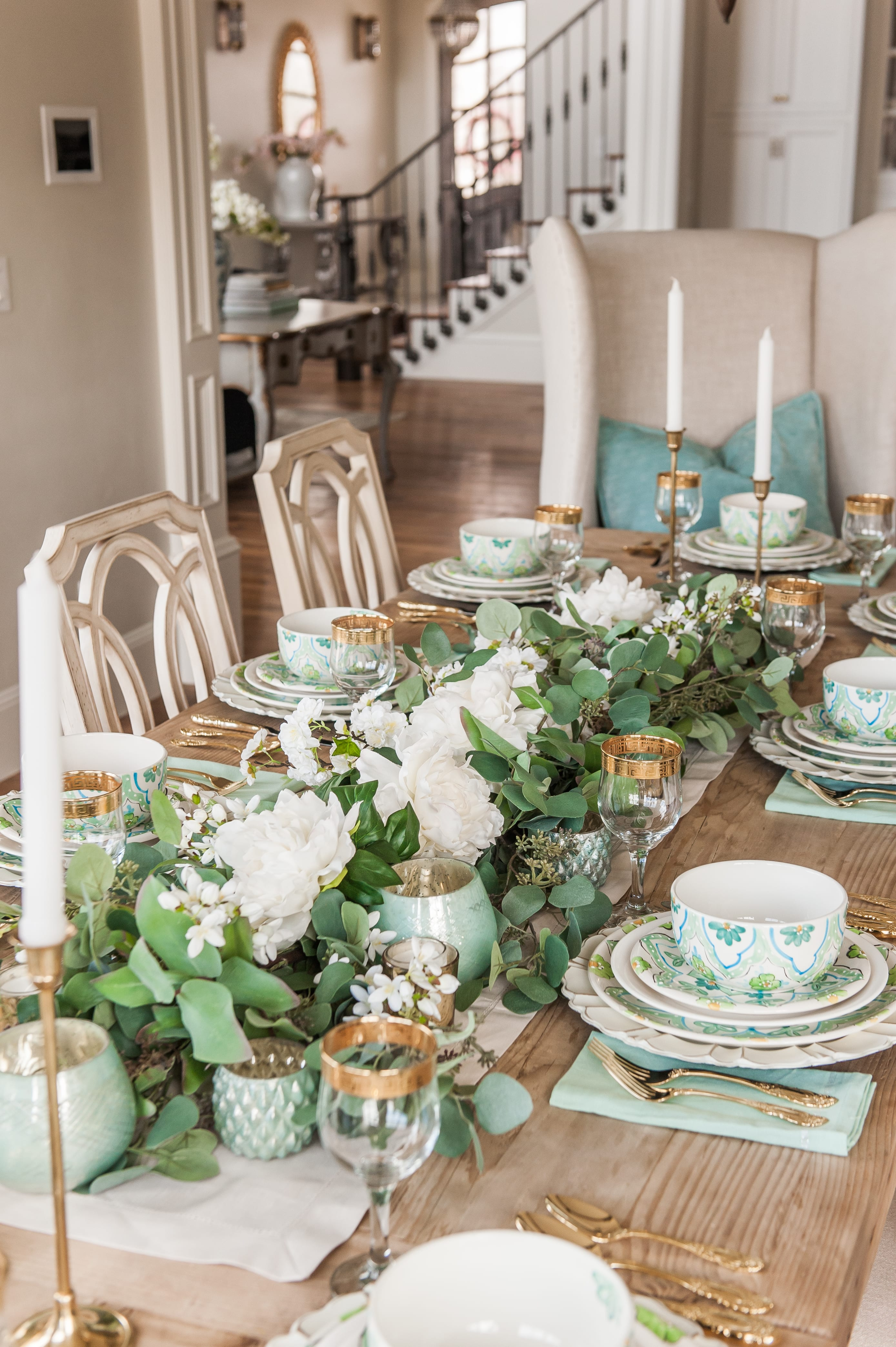 Tablescape spring Tablescapes st. patricks day table decor blue green and white table setting dinnerware easter tablescape easter dinner table dining room table setting place setting table decor idea garland table runner centerpiece faux flowers