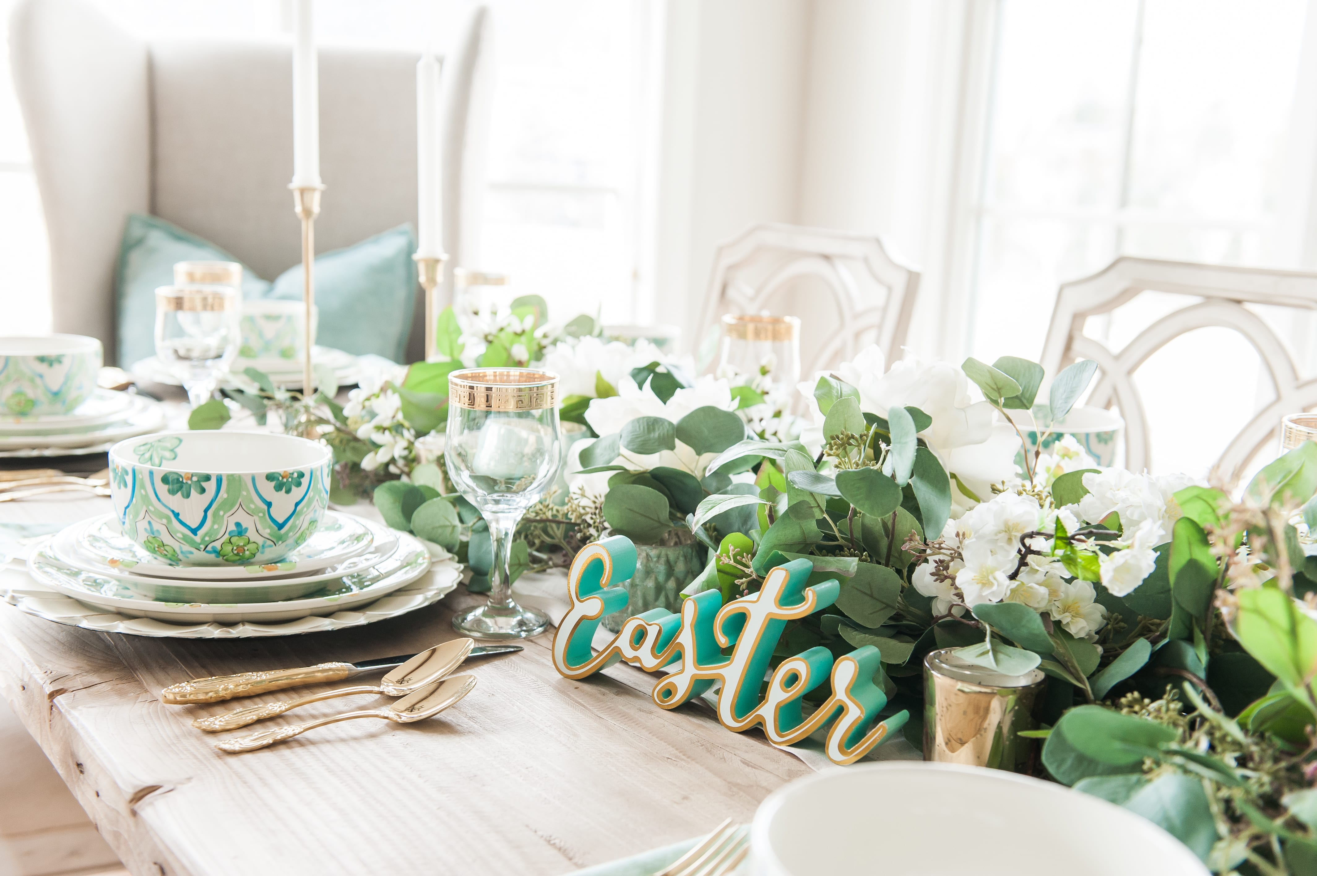 Tablescape spring Tablescapes st. patricks day table decor blue green and white table setting dinnerware easter tablescape easter dinner table dining room table setting place setting table decor idea