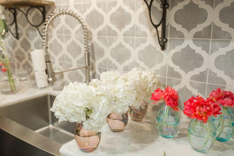 flowers, centerpiece, fresh flowers, vase, tablescape