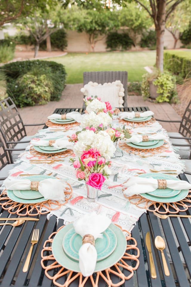 anthropologie havana collection dinnerware, outdoor tablescape, outdoor entertaining, table setting , place setting