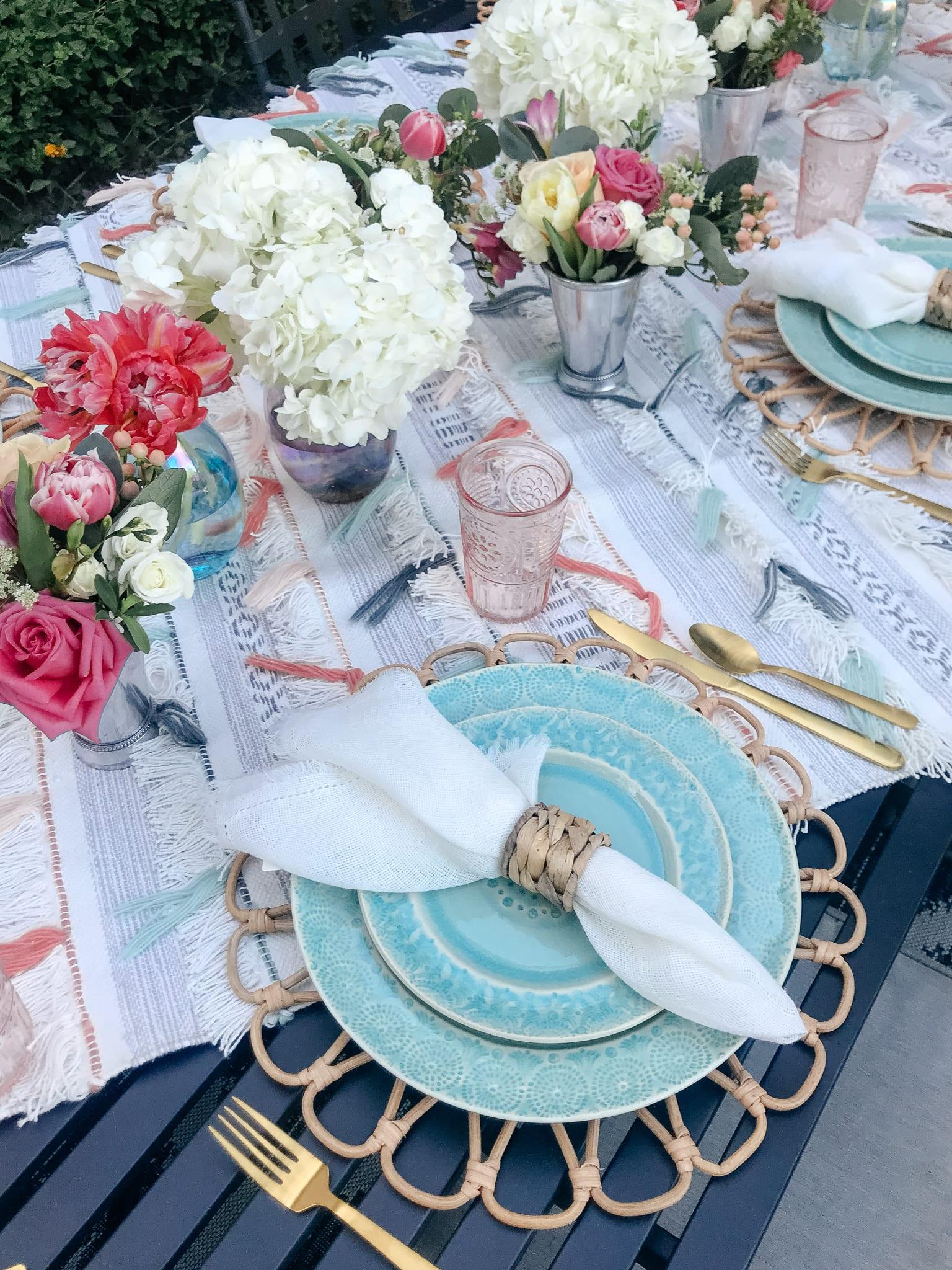 outdoor entertaining, glasses, goblets, dinnerware, place setting, backyard dinner party, hostess, napkins, napkin rings, flatware