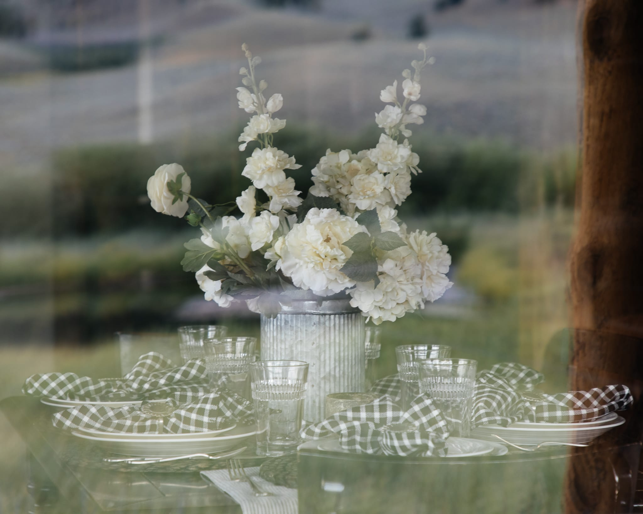 centerpiece tablescape at the montana cabin