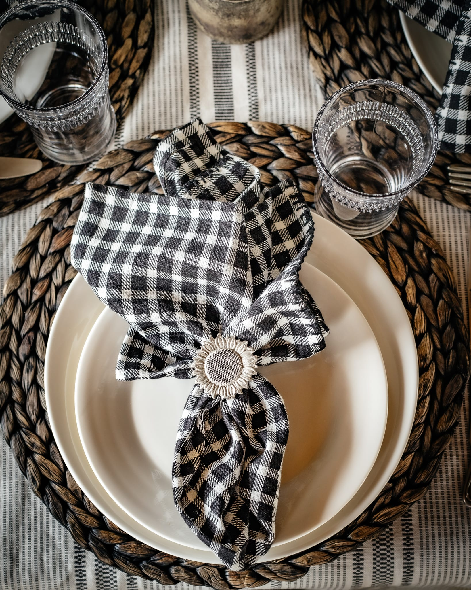 black and cream checkered napkins for the cabin in montana tablescape