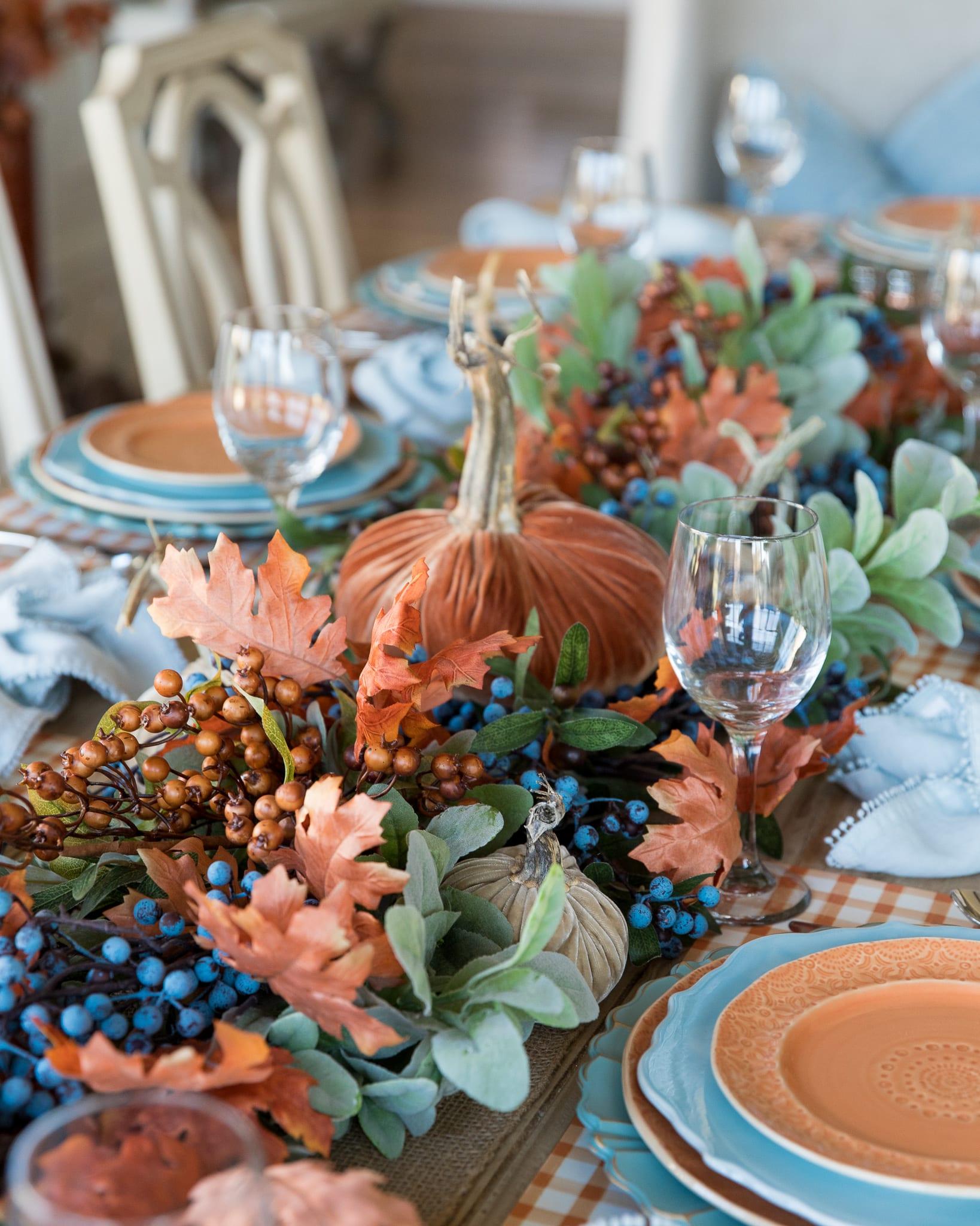 garland centerpiece fall pumpkin tablescape