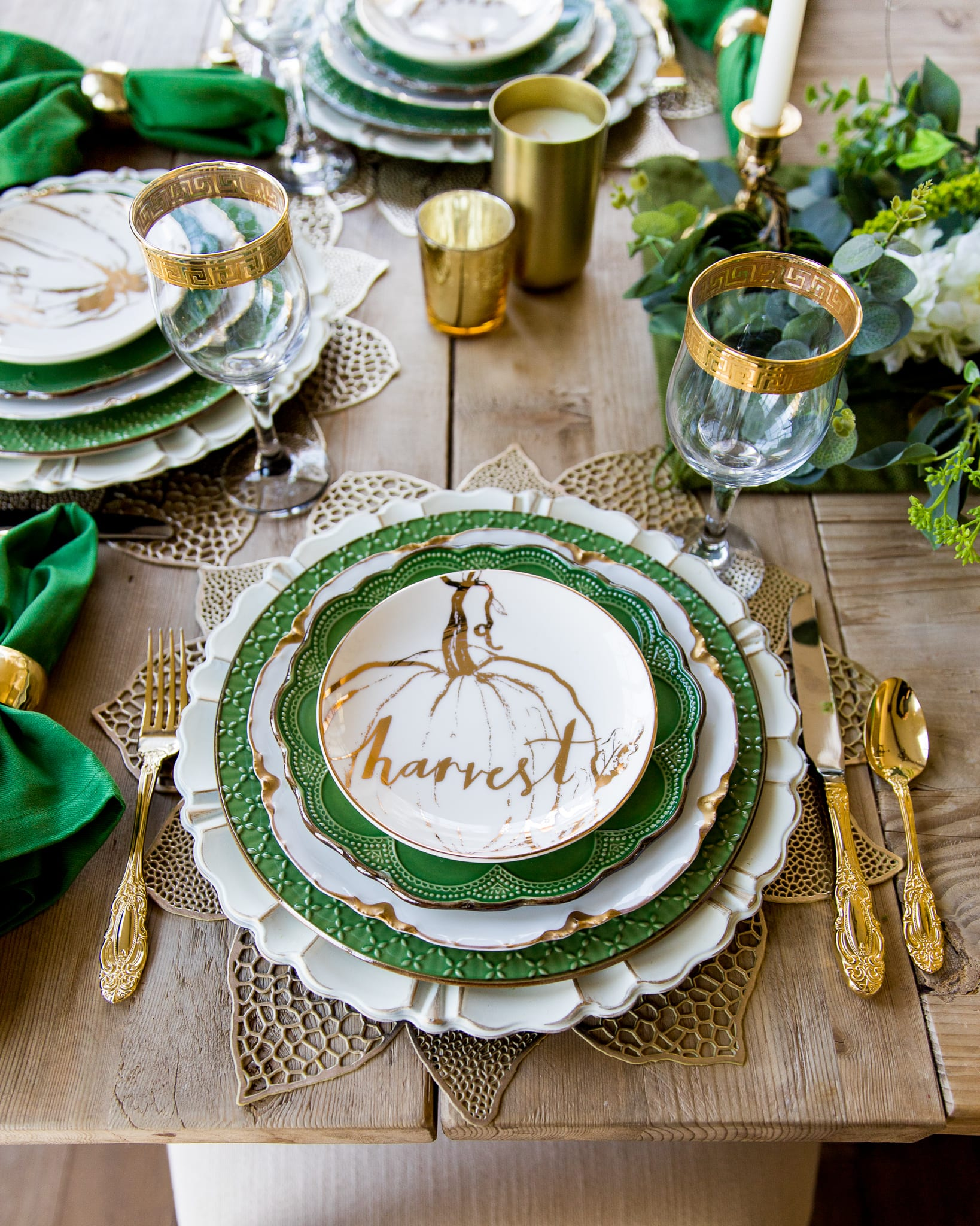 green gold and white placesetting