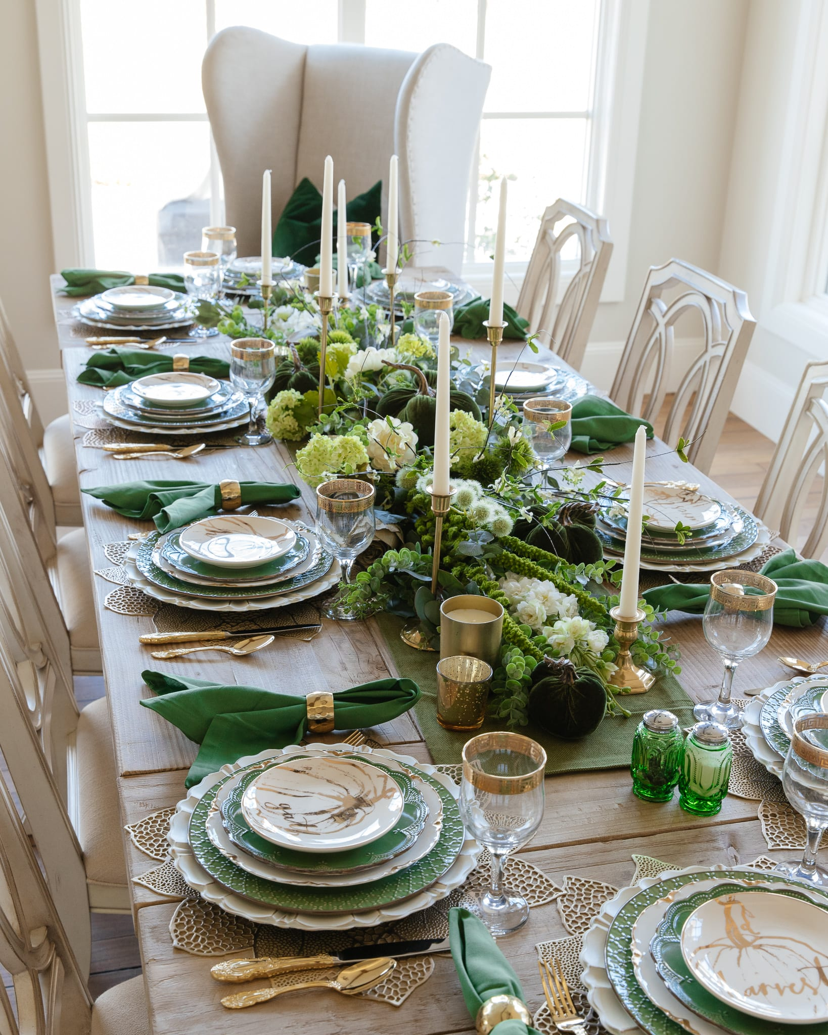 green and gold fall harvest tablescape
