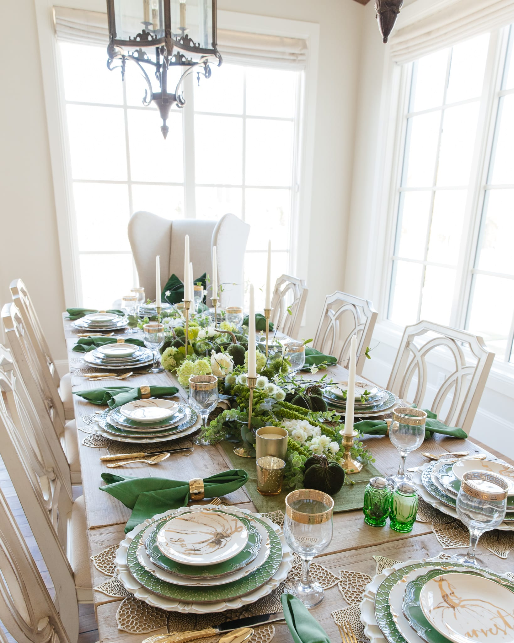 green and gold pumpkin tablescape