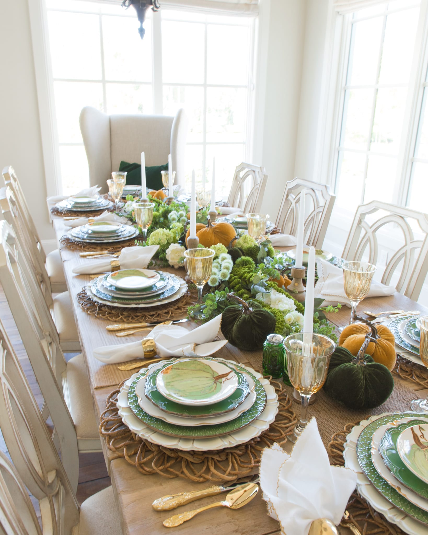 green and gold pumpkin thanksgiving table