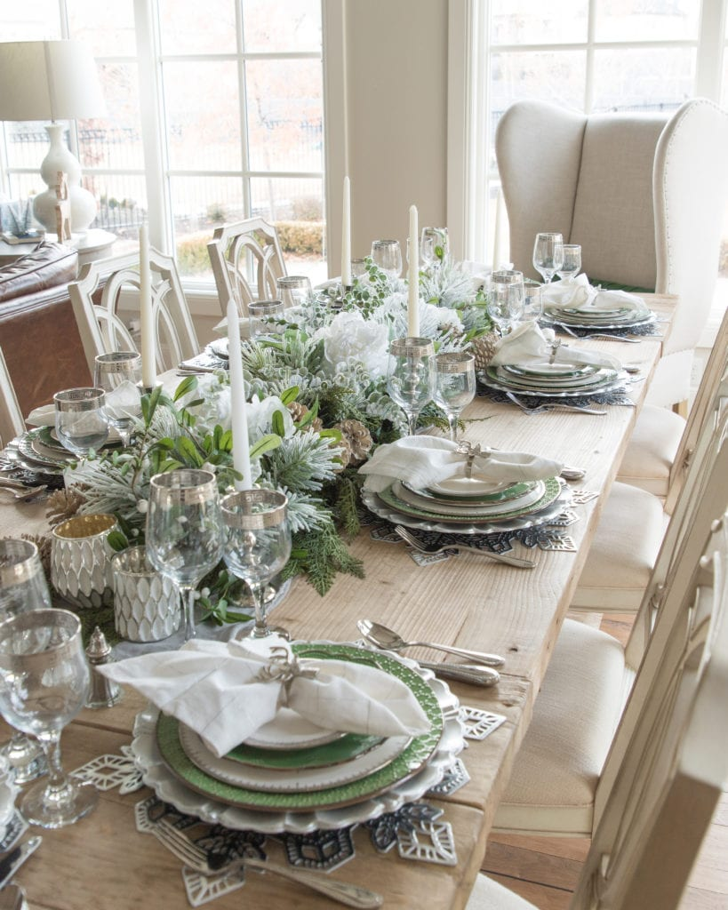 Green white silver tablesetting