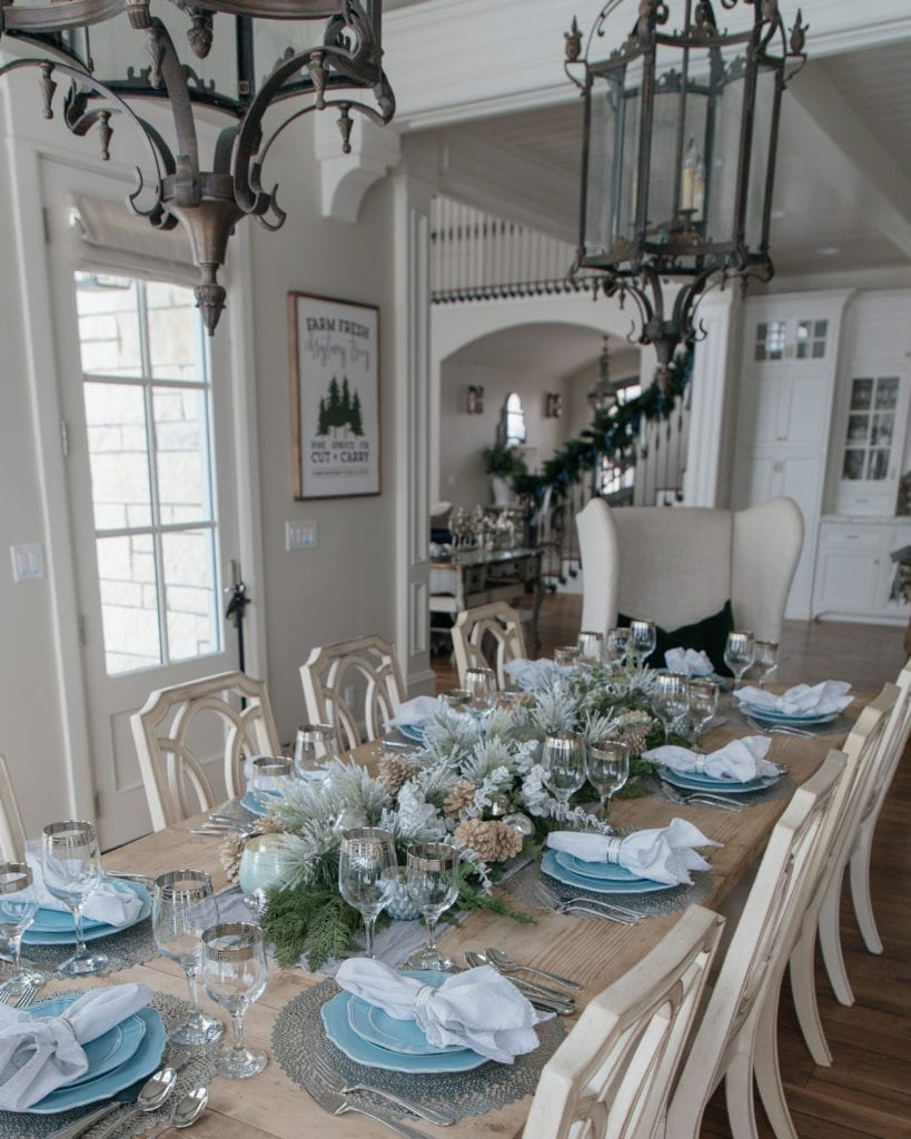 Blue, Silver, Green winter table