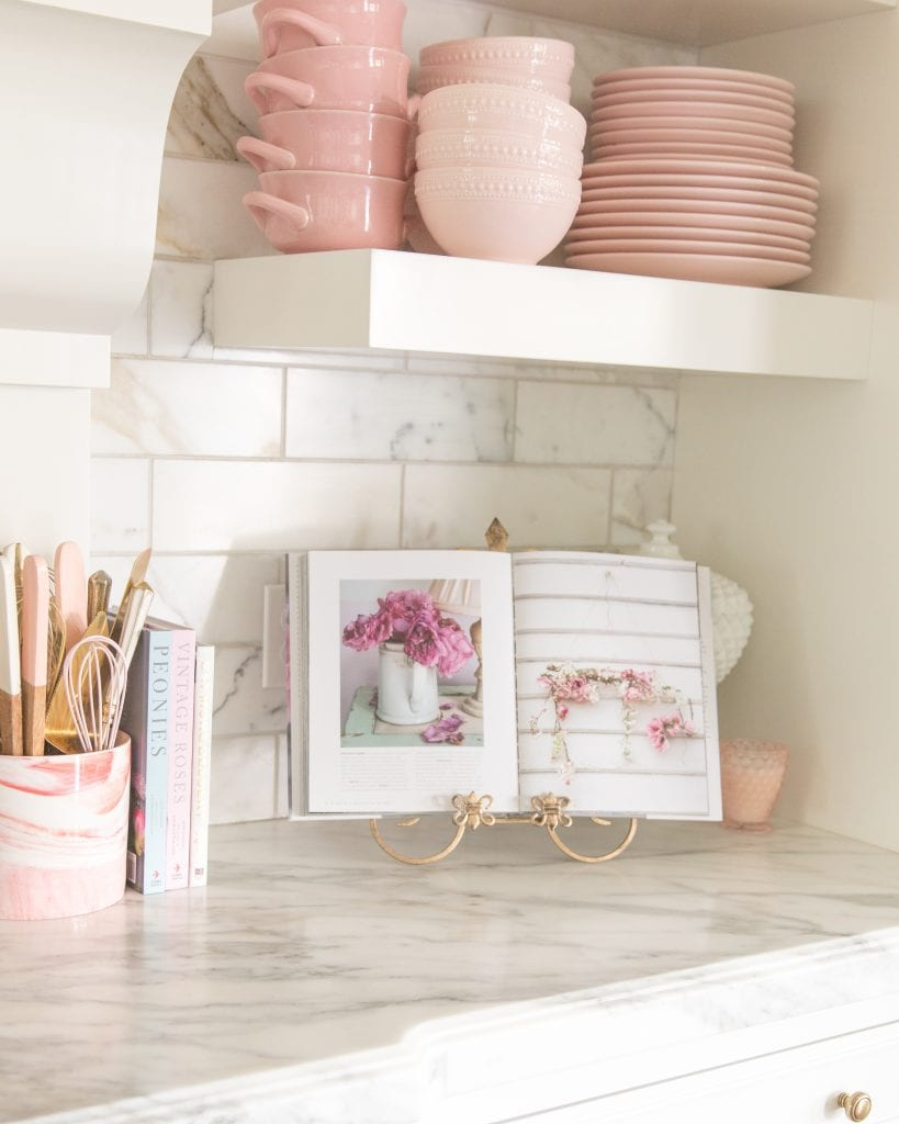 kitchen counter pink decor