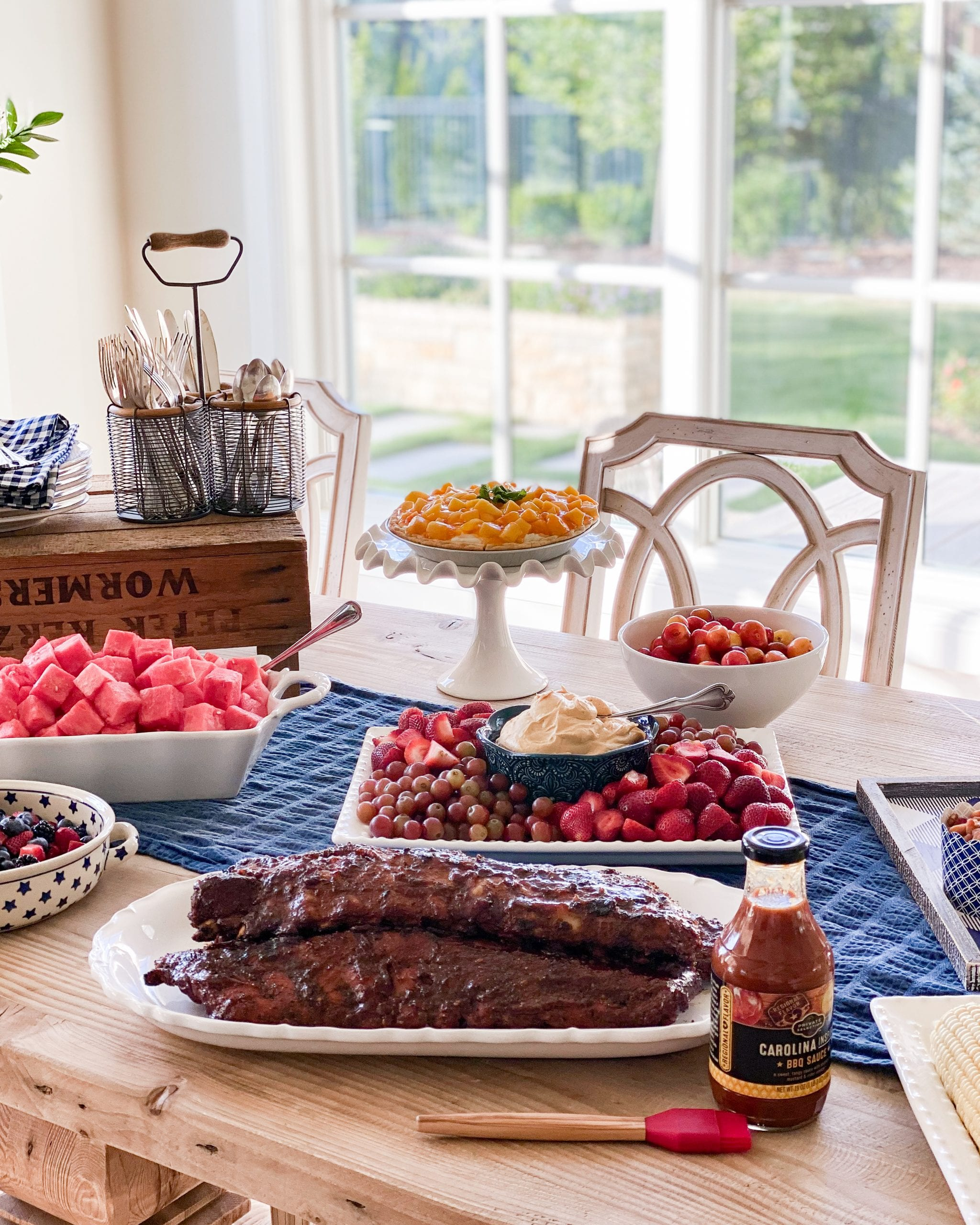 summer barbecue entertaining ideas tablescape