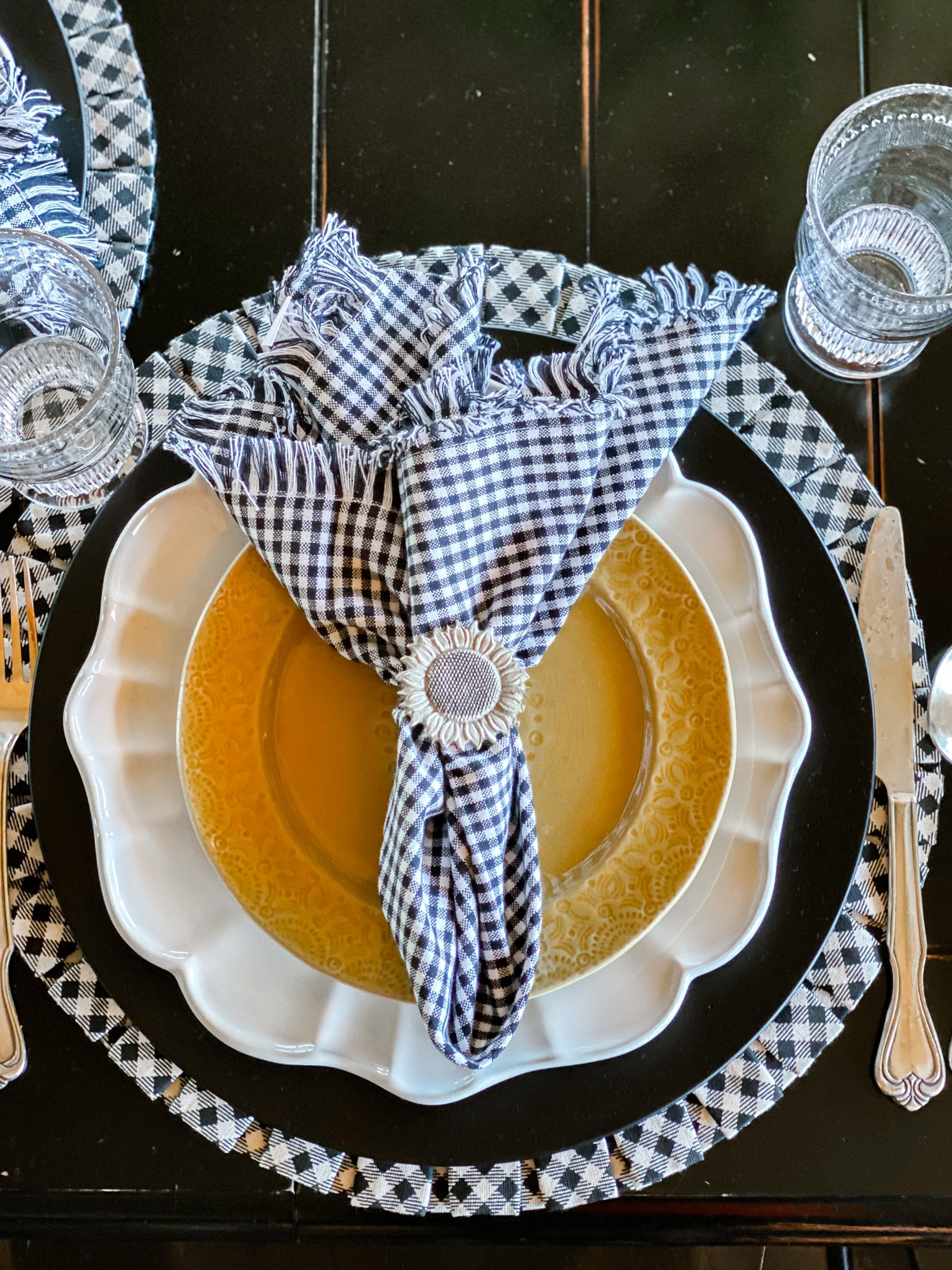 black white gingham yellow place-setting