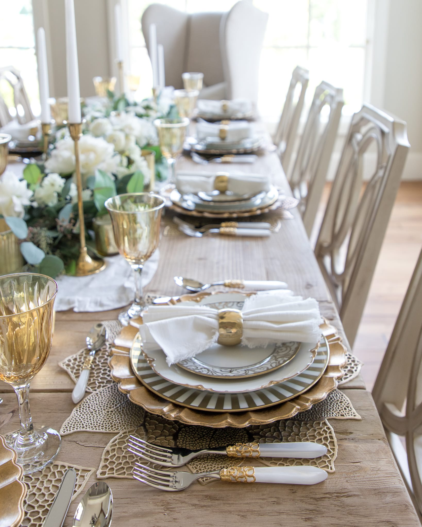 dining table thanksgiving