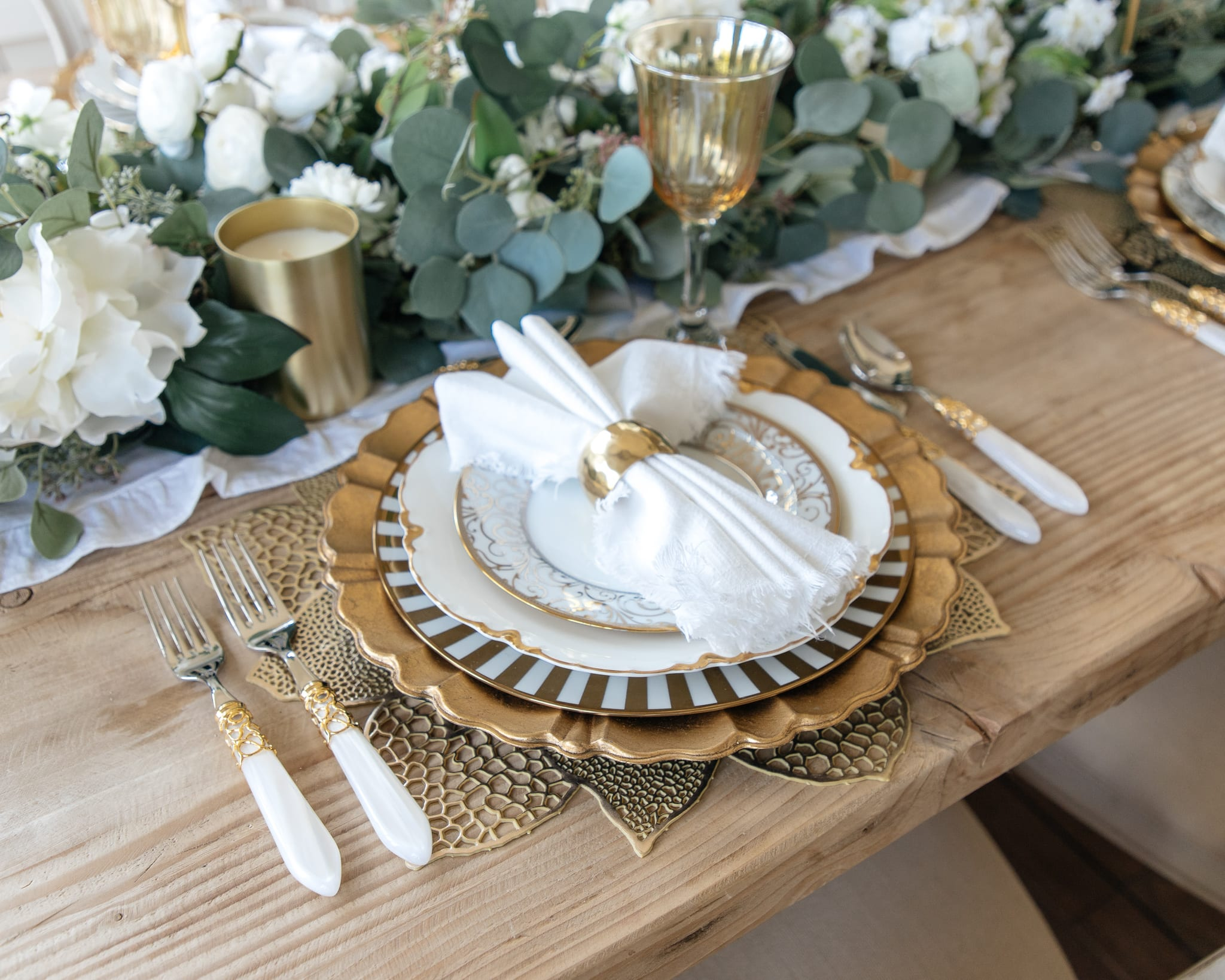 gold white dining table thanksgiving