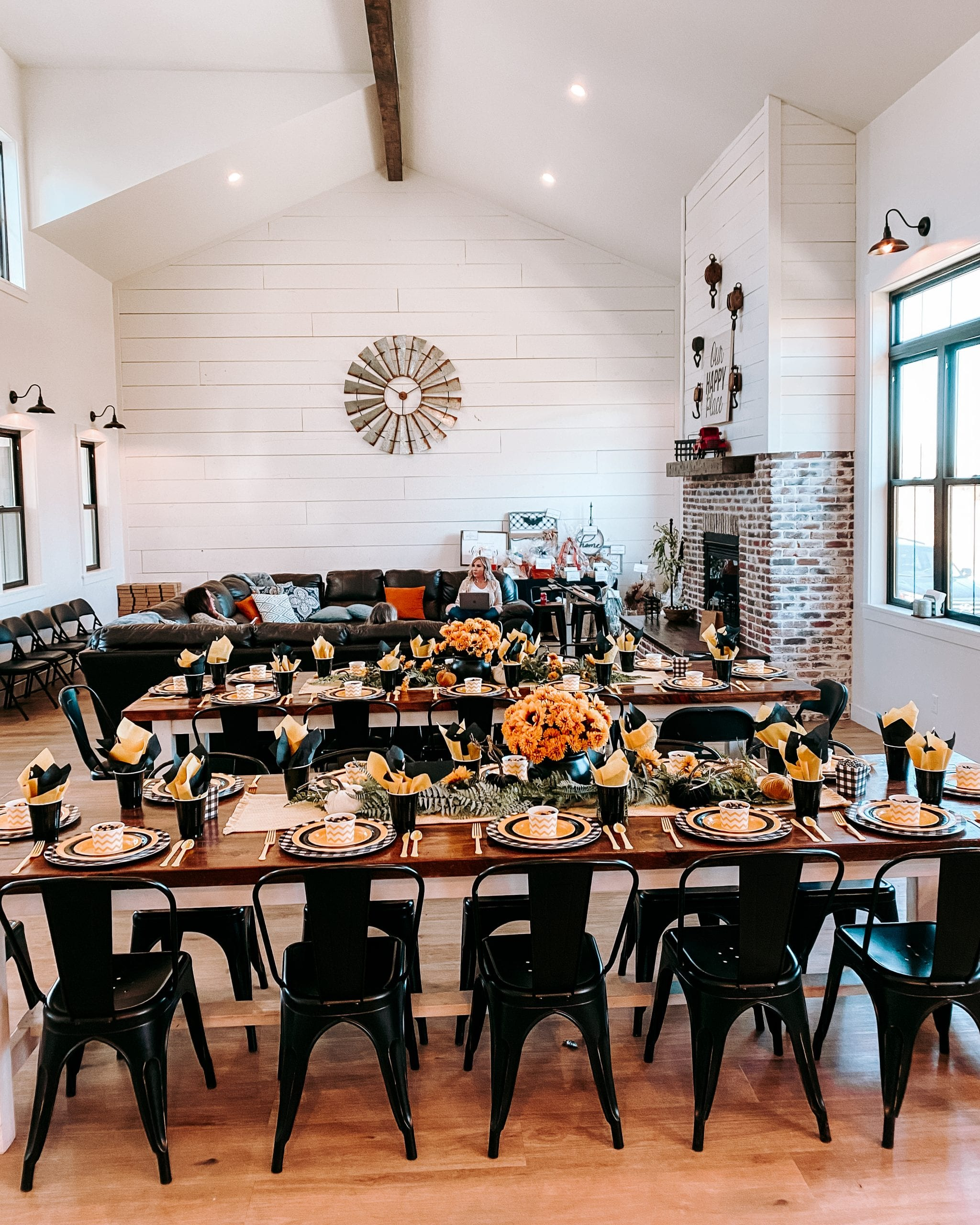 farmhouse party table decor