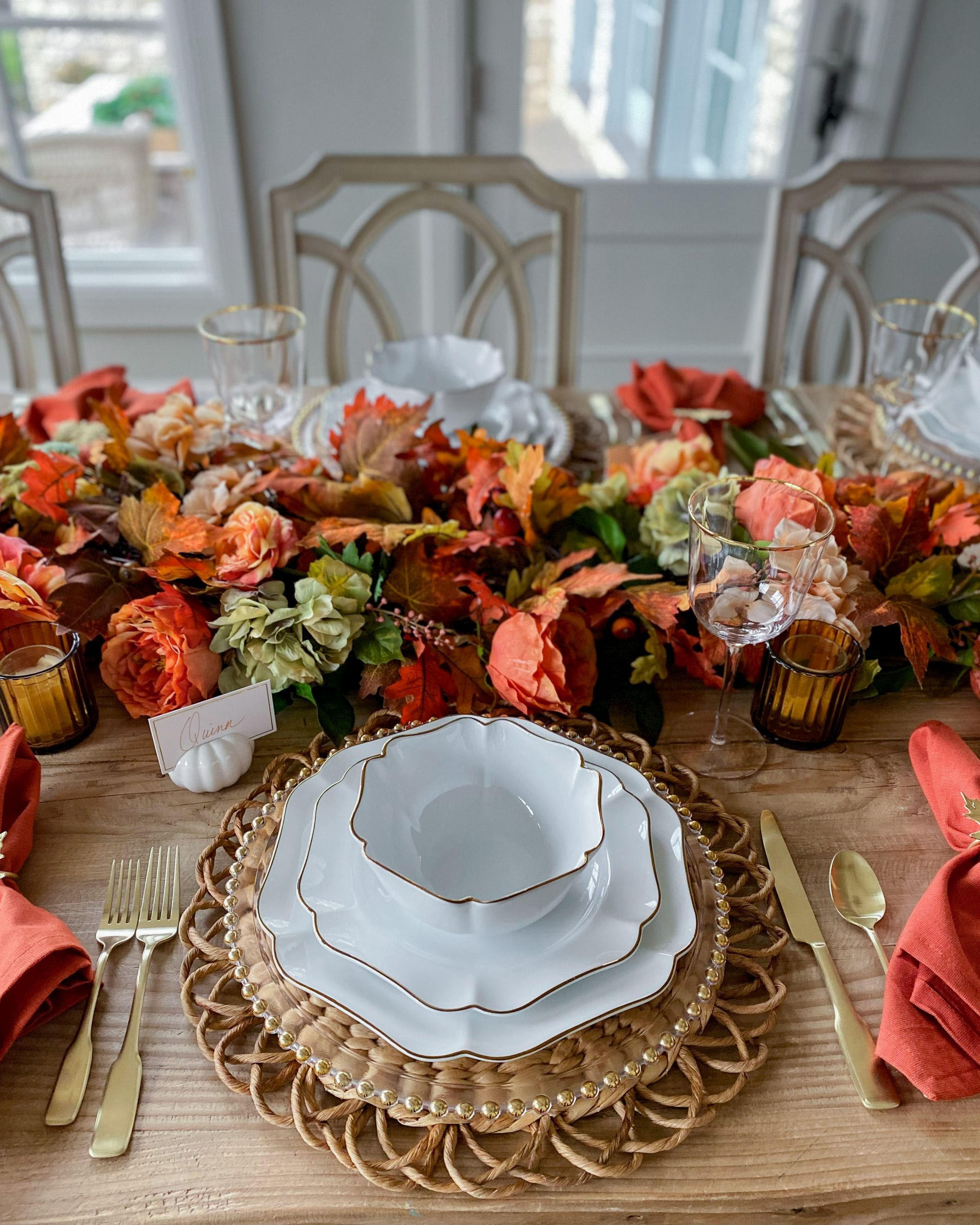 gold and white dinnerware pacesetting