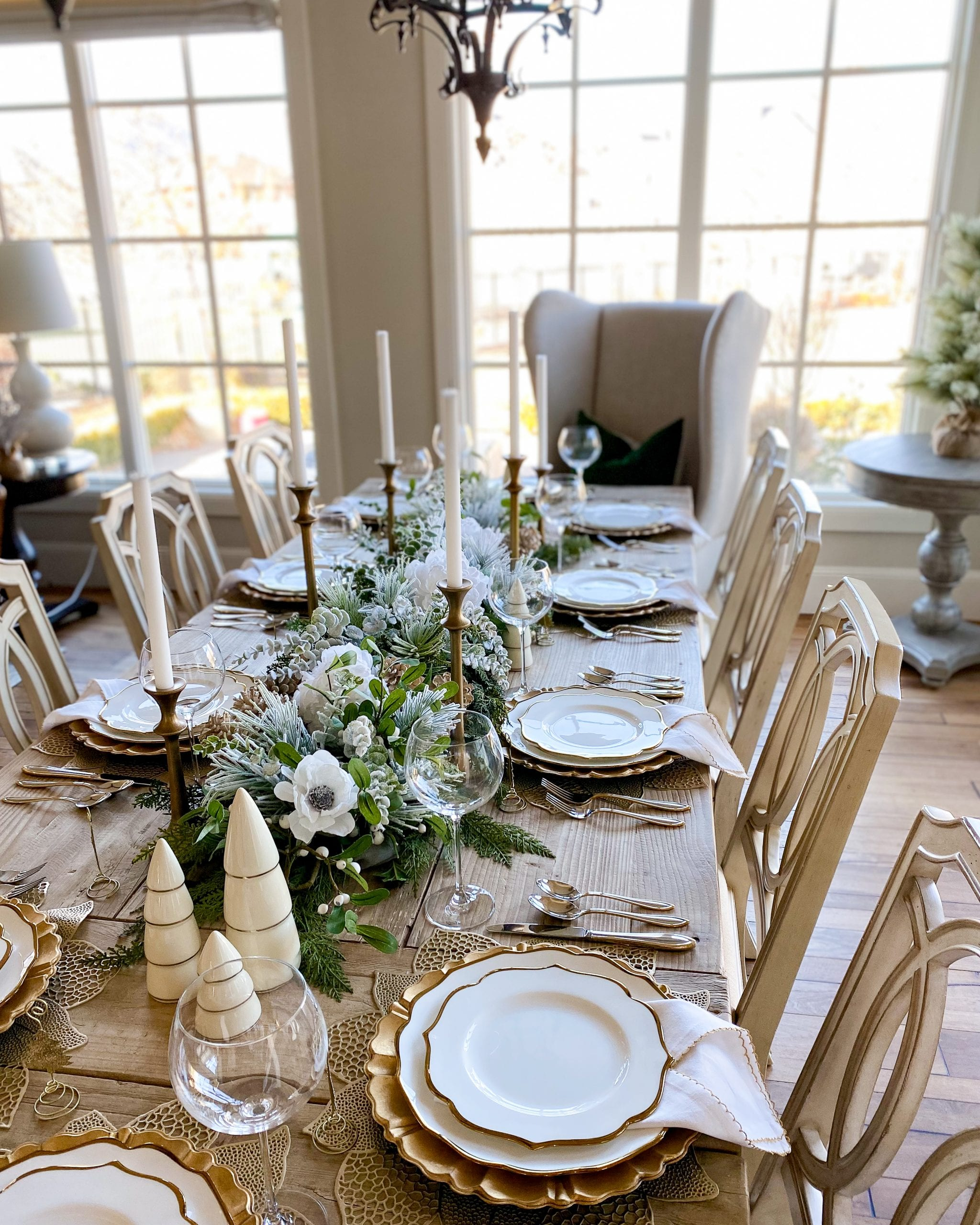 holiday table decor gold and white