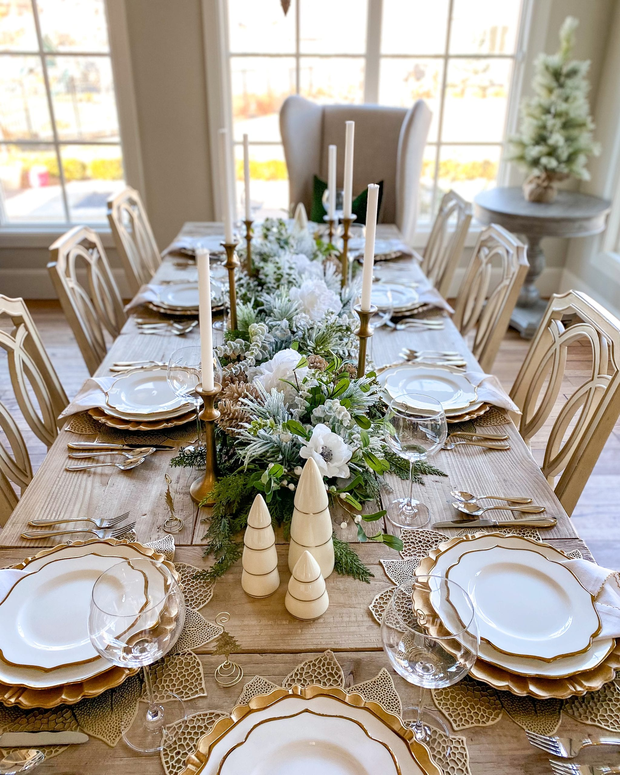 gold white silver winter christmas holiday tablescape