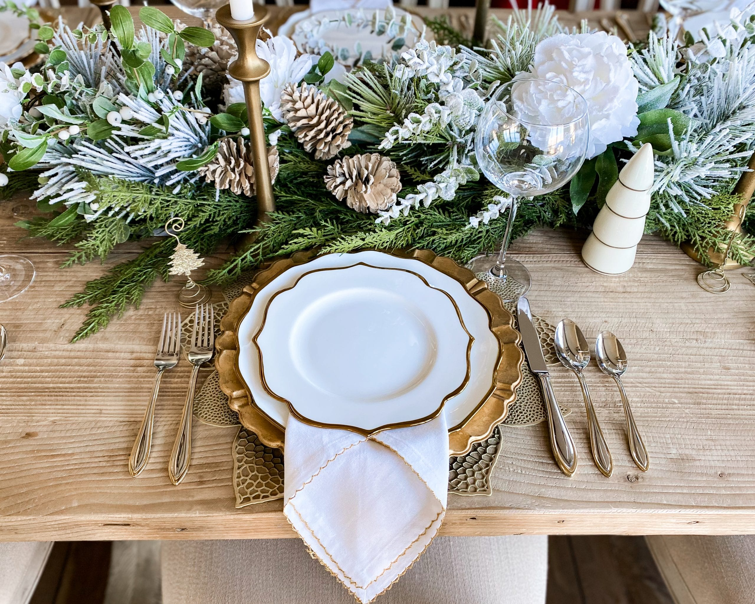 gold white place-setting