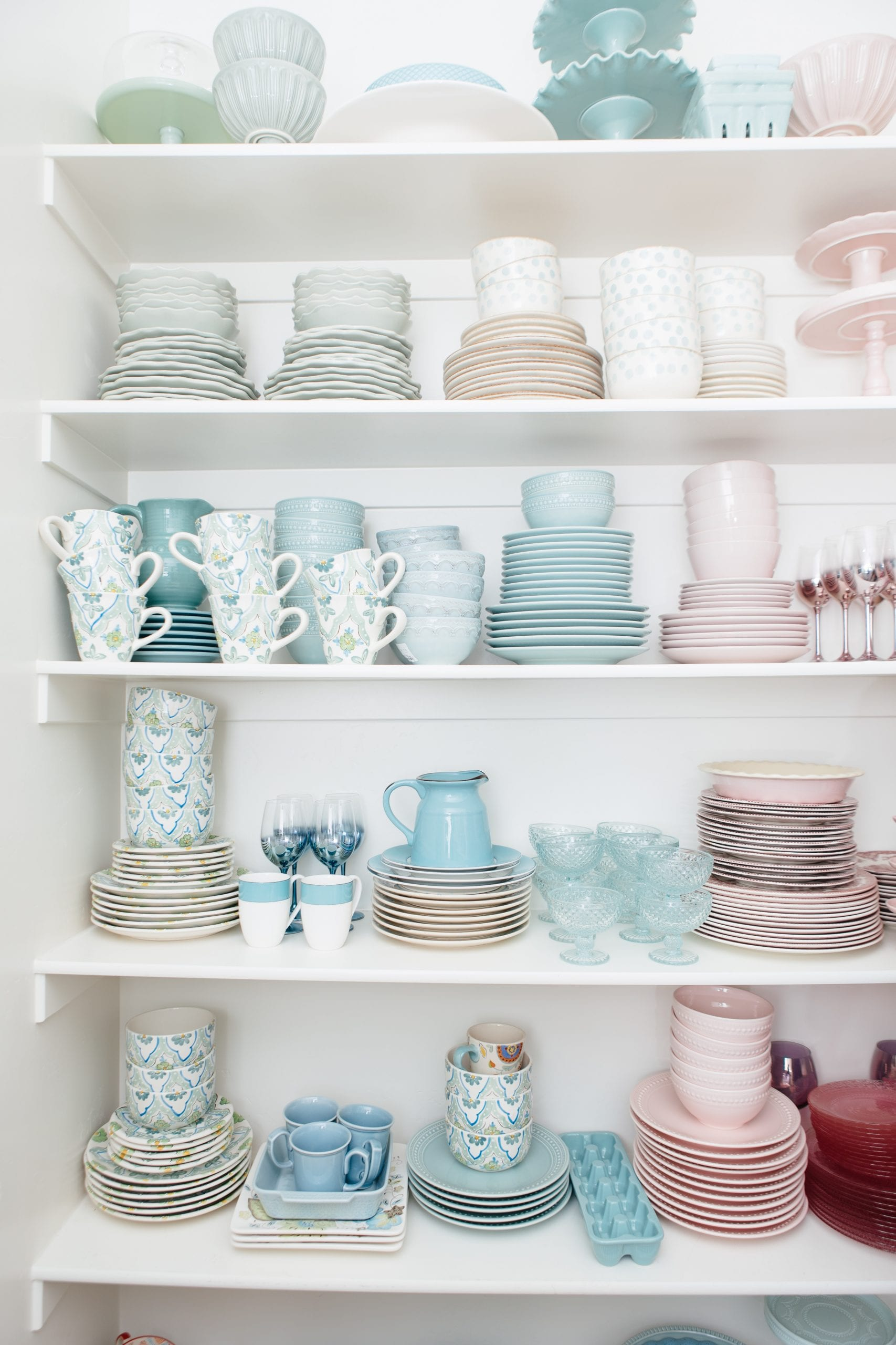 pastel dish collection organization