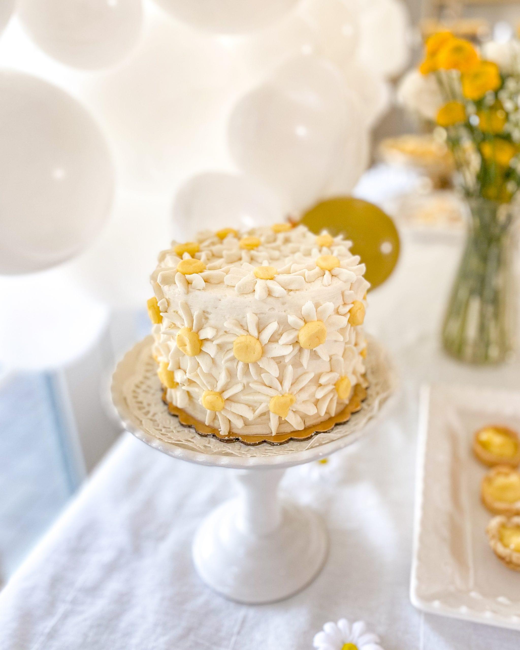 daisy themed cakes