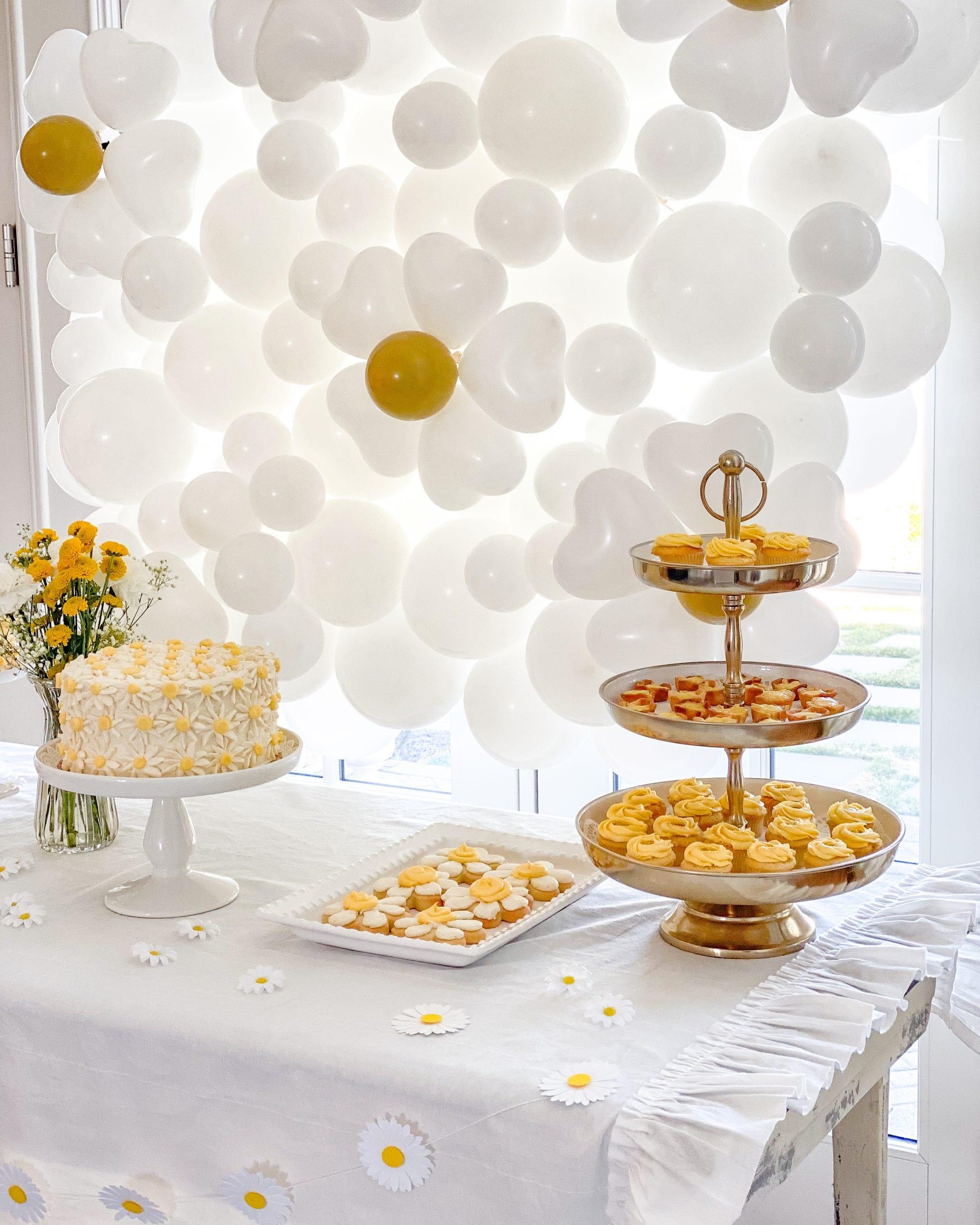lemon tarts dessert table