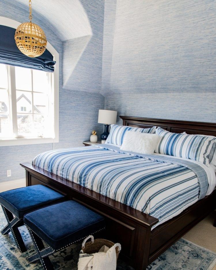 blue stripped bedding