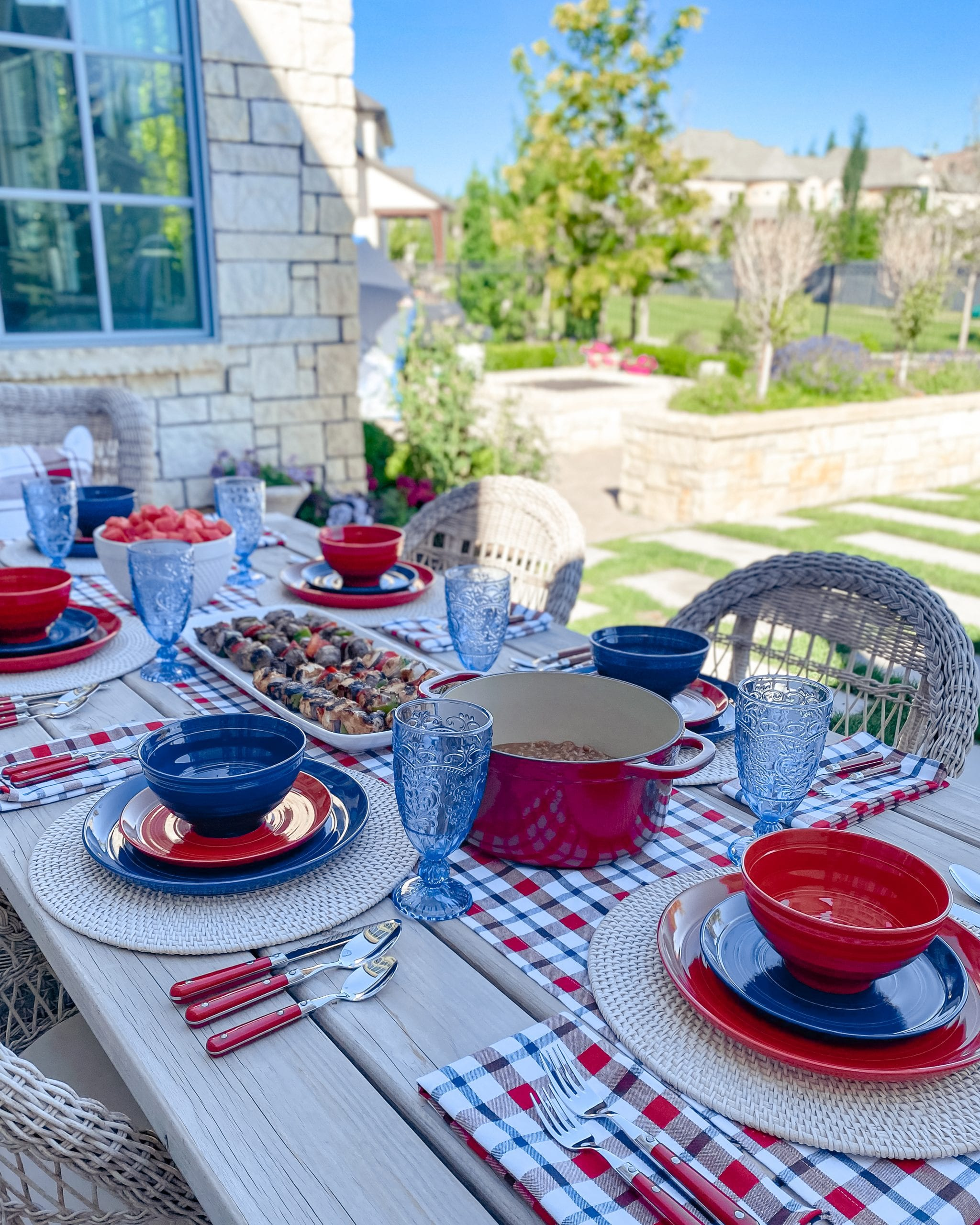 red white blue table decor