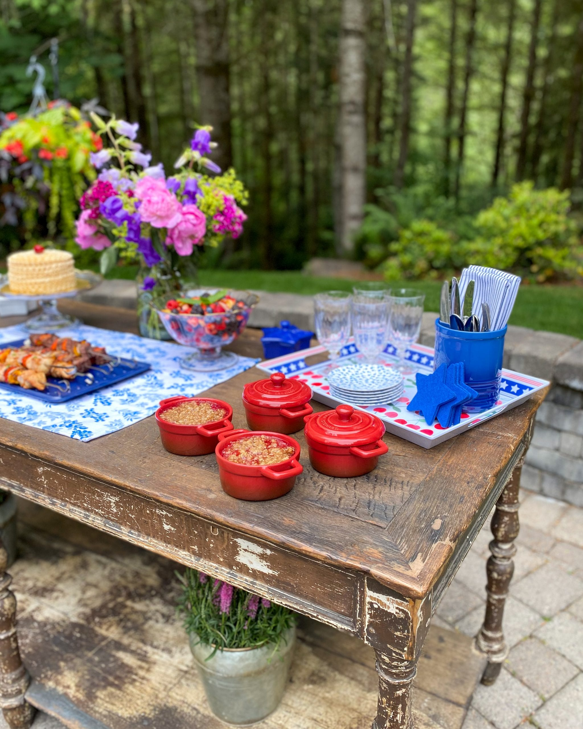 serving table outdoor